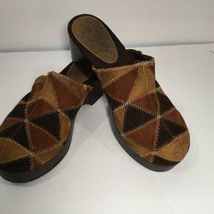 Shoes - Prediction multicolor brown faux suede clogs